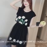 เดรส ผ้า Cotton แต่งลายดอกไม้ + กระโปรงแฟชั่น ผ้าตาข่าย เอวยางยืด แบบสวม สีดำ