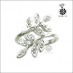 แหวนเพชรCZ รูปใบมะกอก สวยเก๋บนนิ้วคุณ