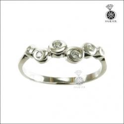 แหวนเงินแท้ ชุบทองคำขาว ประดับเพชรCZ ดีไซน์สวยเก๋