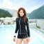 ชุดว่ายน้ำแขนยาวซิปหน้า กางเกงขาสั้น สีดำแต่งขอบขาว thumbnail 3