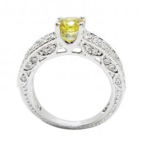 แหวนพลอยบุศราคัมประดับฐานแหวนด้วยเพชรจิกไข่ปลาชุบทองคำขาว