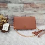 กระเป๋าสะพายข้างแบรนด์ พิมมี่ ขนาดมินิ 1.5*7.7*4.5 นิ้ว ใส่โทรศัพท์ กระเป๋าสตางค์ใบสั้นได้ สายสะพายโซ่ มีรองบ่า