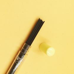 ใส้ดินสอกด 2B 0.7 mm 216บาท/แพค 80ด้าม/กล่อง